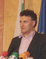 Валентин Николов дава пресконференция