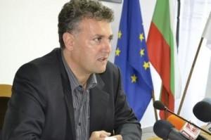 Пресконференция на Валентин Николов: Бивша секретарка на Александър Николов е кандидат за кмет на Хърлец