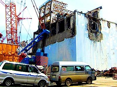 Япония – започва изваждането на горивото от четвърти реактор