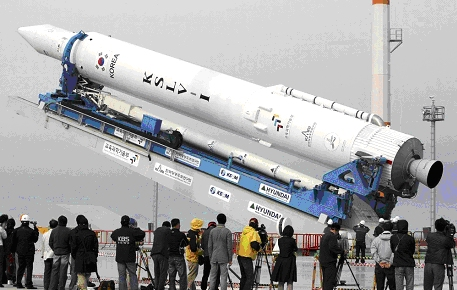 Южна Корея може да стане 11-та държава самостоятелно изстреляла спътник