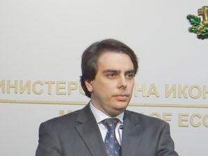 Министър Асен Василев: Няма как да изнасяме толкова ток, че да натоварим всички мощности