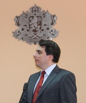 Министърът на икономиката Асен Василев замина на работна среща в Турция