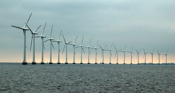 Най-голямата в света офшорна вятърна електроцентрала е в Англия