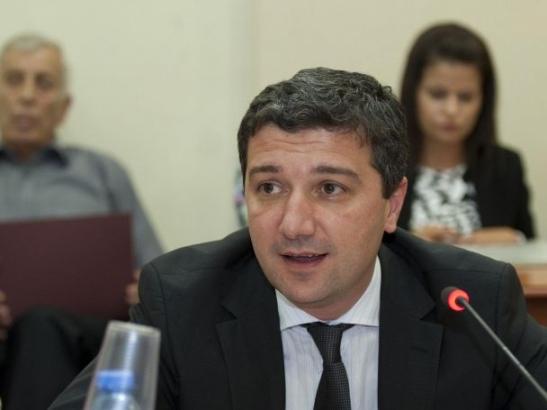 """Министър Стойнев: Още плащаме милиони за АЕЦ """"Белене"""""""