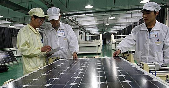Китай предлага решение на спора за вноса на слънчеви панели в ЕС