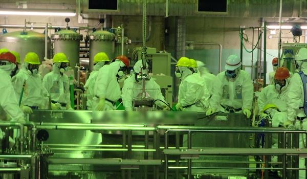 """TEPCO започна да изважда касети с ОЯГ от четвърти блок на АЕЦ """"Фукушима"""""""