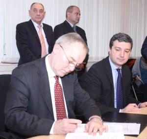 """Драгомир Стойнев: Подписахме споразумения с Международен фонд """"Козлодуй"""" за 34,6 млн. евро безвъзмездна помощ"""
