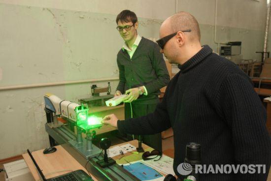 Филтри за защита на военни оптични системи от мощно лазерно облъчване