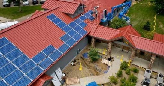 В слънчевата енергетика на САЩ са заети повече хора, отколкото във въгледобива