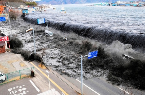 Япония планира да построи огромен комплекс от предпазни стени за защита от цунами