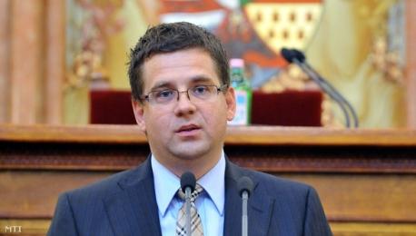 """Планът на Унгария за два нови енергоблока в АЕЦ """"Пакш"""" е важен за страната, заяви министърът на националното развитие Миклош Шестак"""