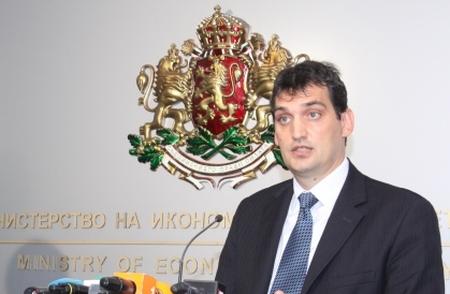 Министър Щонов: Дефицитът в енергетиката не трябва да се намалява само през по-високи цени на тока
