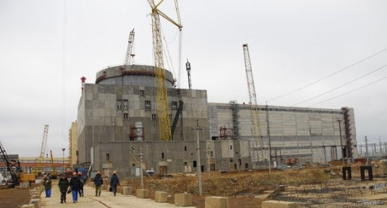 Русия – на Ростовската АЕЦ започна контролна сборка на полярния кран