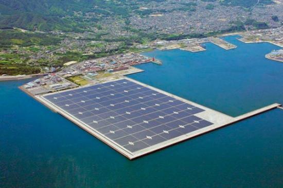 В Япония започват да строят гигантски фотоволтаичен парк върху вода
