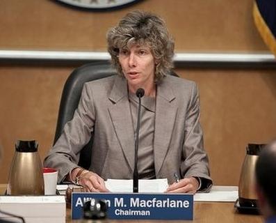 САЩ – Председателят на Комисията по ядрено регулиране (NRC) преждевременно напуска поста си
