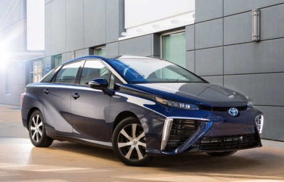 Първият в света автомобил с водороден двигател ще излезе на пазара в Япония на 15 декември – технически подробности