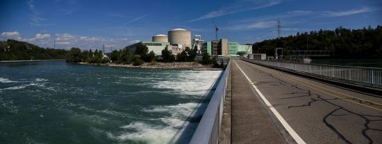 Швейцария затваря две АЕЦ и въвежда забрана за построяване на нови
