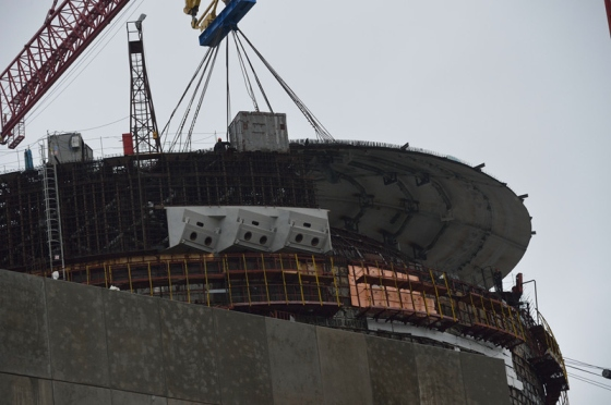 На строящия се 4-ти блок на Ростовската АЕЦ е монтиран куполът на ядрения остров
