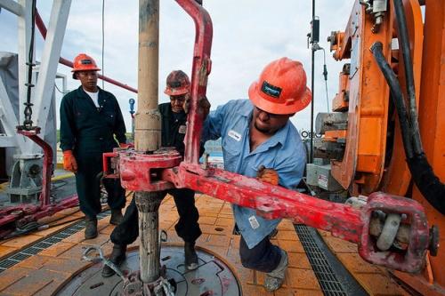 По-нататъшното падане на цените на нефта може да провали шистовата революция в САЩ