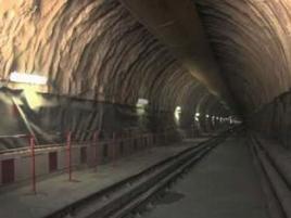 Между Испания и Франция вече функционира най-дългият подземен високоволтов електропровод в света.