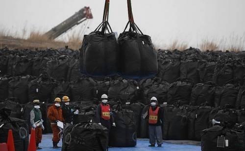 Япония – Фукушима – Започна прехвърляне на събраната радиоактивна земя в хранилищата