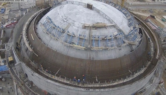На площадката на Ленинградската АЕЦ-2 с пълен ход вървят строително-монтажните работи