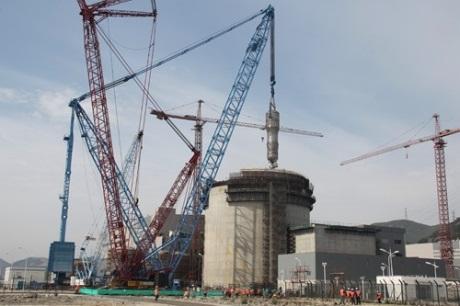 """Китай – АЕЦ """"Санмен"""" – на втори блок беше монтиран първият парогенератор за АР-1000 местно производство"""