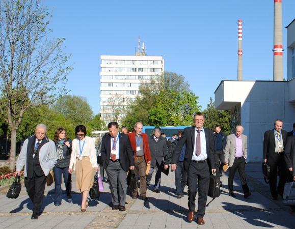 Експерти по управление на РАО от десет държави участват в семинар,  организиран от МААЕ