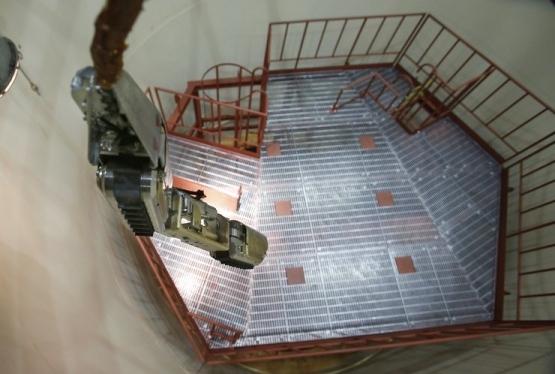 И реакторът на втори енергоблок на АЕЦ Фукушима-1 ще бъде обследван с робот това лято