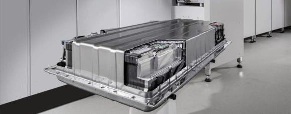Mercedes следва примера на Tesla и пуска домашни акумулатори на електрическа енергия