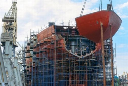 """Завършва изграждането на носовата част на атомния ледоразбивач """"АРКТИКА"""""""