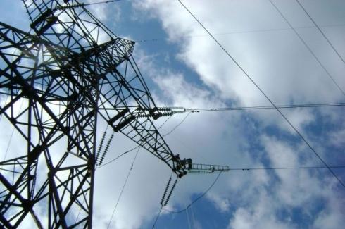 Украйна иска да доставя електроенергия в Крим през цялата 2016-та година