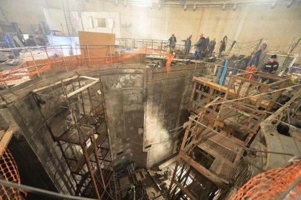 В реакторно отделение на четвърти блок на Ростовската АЕЦ (РоАЕЦ) се работи по облицоване на шахтата на реактора