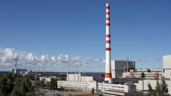 След завършване на аварийния ремонт втори блок на Ленинградската АЕЦ е включен в паралел с енергийната система