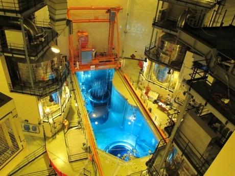 Китай – завърши зареждането с ядрено гориво на изграждащия се 4 блок на АЕЦ Hongyanhe