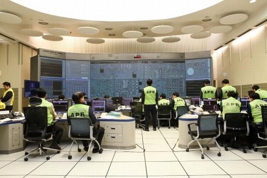 Южна Корея – първият енергоблок с APR-1400 беше включен в паралел с енергийната система на страната.
