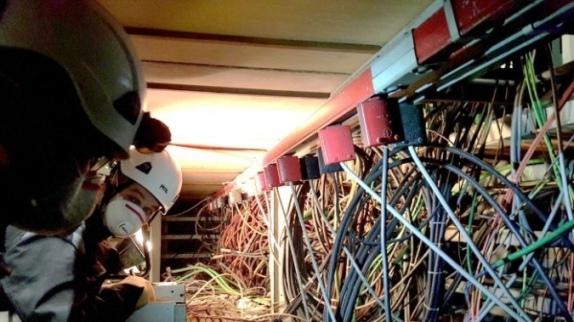 Инженерите от CERN трябва да открият и изключат около 9 хиляди неизползвани кабели
