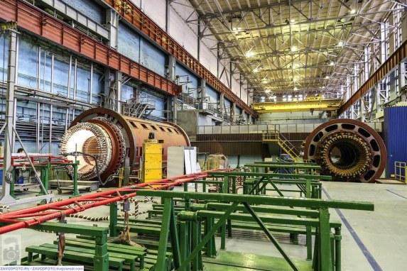 """Представители на АО «Русатом Сервис» и АЕЦ «Козлодуй» провериха осигуряването на качеството на генераторното оборудване за пети блок в завод """"Электросила"""""""