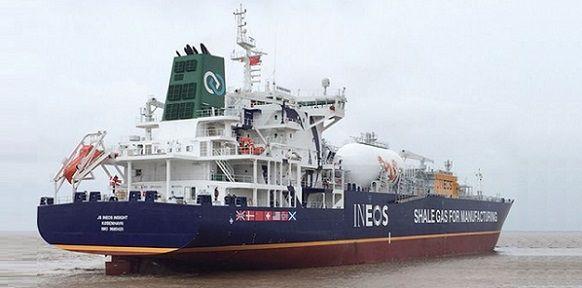 В Европа пристигна първият танкер-газовоз с втечнен шистов газ от САЩ