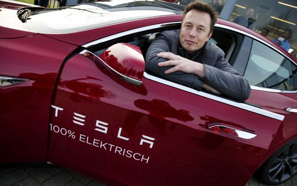 На Илон Мъск са предложили да открие завод за електромобили Tesla на площадката на най-старата АЕЦ във Франция