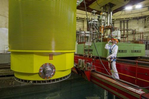 На Калининската АЕЦ завършиха изпитанията на най-новия контейнер за транспортиране на ОЯГ – ТУК-1410