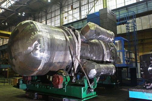 """Завършиха основните дейности по интегрирането на корпуса на втория реактор за ледоразбивача """"Арктика"""""""