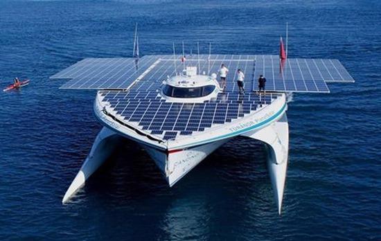 Първият в света кораб, работещ изключително със слънчева енергия е Turanor PlanetSolar