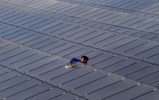 Индия – Мощността на всичките слънчеви електроцентрали достигна 8 GW