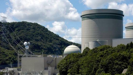 Япония – вследствие на земетресението временно остана без външно електрозахранване един от ядрените центрове на страната