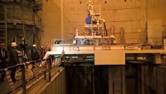 Ленинградска АЕЦ-2 – започнаха изпитанията на презарядната машина на първи енергоблок