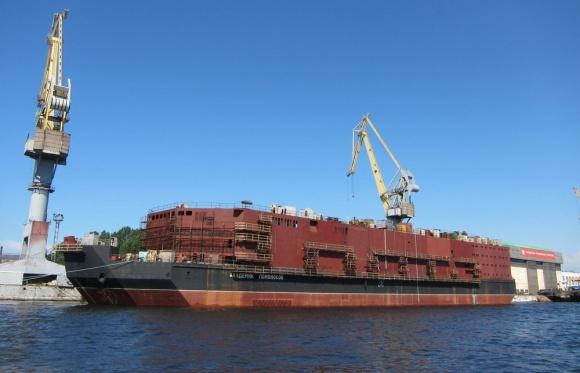 """Зареждането с ядрено гориво на плаващия енергоблок """"Академик Ломоносов"""" е планирано за първата половина на 2017 година"""