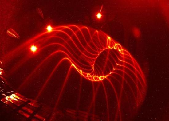 Завършиха изпитанията на магнитното поле на строящия се немски термоядрен реактор W7-X