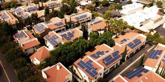 САЩ – Слънчевите панели на покривите могат да осигурят 25% от необходимата електроенергия