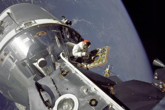 Американските астронавти от МКС излязоха в открития космос